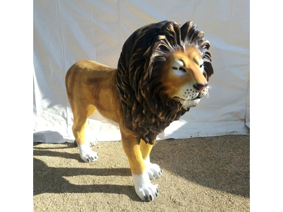 Sculpture en résine Lion Grandeur Nature - 140 cm